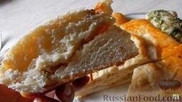 """Пирог """"Смайлик"""" из дрожжевого теста, с капустой и рисом: Подавать дрожжевой пирог с капустой горячим.  Приятного аппетита!"""