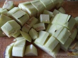 Соте из овощей (в мультиварке): Как приготовить соте из овощей (в мультиварке):  Баклажаны вымыть, очистить, нарезать кубиками (размером около 1х1 см).