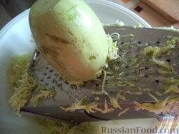 Сладкие оладушки из кабачков  (без яиц): Натереть кабачки на средней терке.