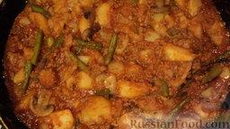 Рагу овощное с картошкой, фаршем и грибами