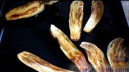 Котлеты из свинины с баклажанами, запеченные в духовке: Запекать баклажаны в духовке при температуре 250 градусов 20-25 минут. Остудить.