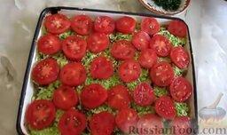Запеканка из кабачков, с фаршем и помидорами: Сверху выложить помидоры.