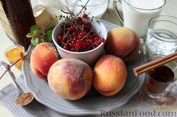 Десерт из персиков с ликером: Для десерта из персиков с ликером, мороженым и смородиновым соусом подготовим заранее набор продуктов.