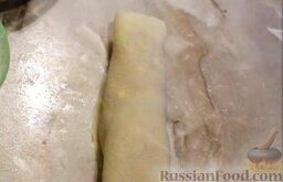 Рисовые блины без сахара, с творогом и бананом: Завернуть банан в рисовый блин.