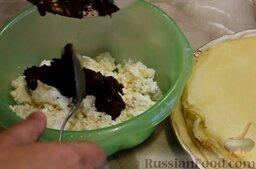 Рисовые блины без сахара, с творогом и бананом: Шоколад растопить и смешать с творогом.