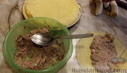 Рисовые блины без сахара, с творогом и бананом: Тщательно размешать. Взять блин и на середину выложить 3-4 ст.ложки творожно-шоколадной начинки.