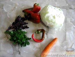 Малосольная капуста: Чтобы приготовить быструю малосольную капусту, сперва нужно подготовить необходимые ингредиенты.