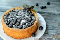 Ягодный тарт с черникой и белковым кремом