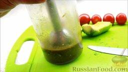 Салат с креветками: Перебить до однородной массы блендером.
