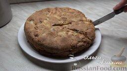 Яблочная шарлотка от Ольги: Нарезать яблочную шарлотку порционными кусочками и подавать к столу.  Приятного аппетита!