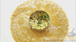 Гаспачо (холодный томатный суп): Вокруг распределить гаспачо.