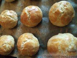 Печенье на рассоле: Выпекайте печенье из рассола в духовке до образования золотистой корочки при 180 градусах (около 20-25 минут).