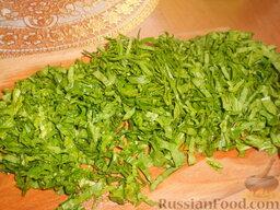 Суп картофельный со щавелем: Листья щавеля перебрать, промыть и нарезать.