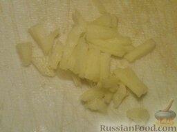Баклажаны жареные с чесноком и соевым соусом: Если используете свежий корень имбиря, очистите и мелко нарежьте его.