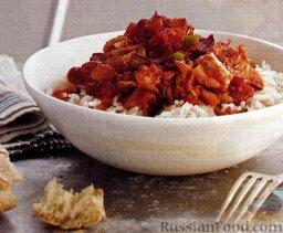 Рис под соусом из бекона, тунца и томатов