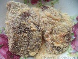 Печень свиная жареная (панированная): Далее в сухарях.