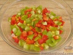 """Салат """"Неаполь"""": 3 слой: сладкий перец."""
