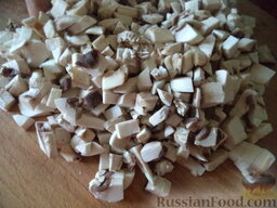 Суп с клецками (постный) (4 порции): Грибы вымыть, очистить, нарезать мелко.