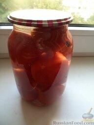 Засолка томатов в банках: Накрыть банки крышками и выдержать 12 дней (проходит диффузия рассола).